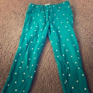 4T green pants with white stars.